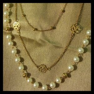 Faux Pearl Chain Rose Necklace
